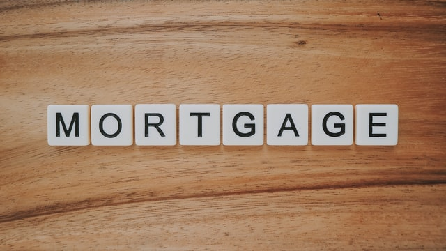 What is a good credit score for refinancing a mortgage?
